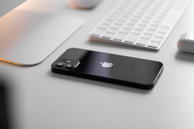 Laga iPhone 12